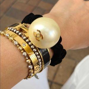 Chanel pearl scrunchie